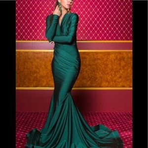 Evening dress (emerald color)